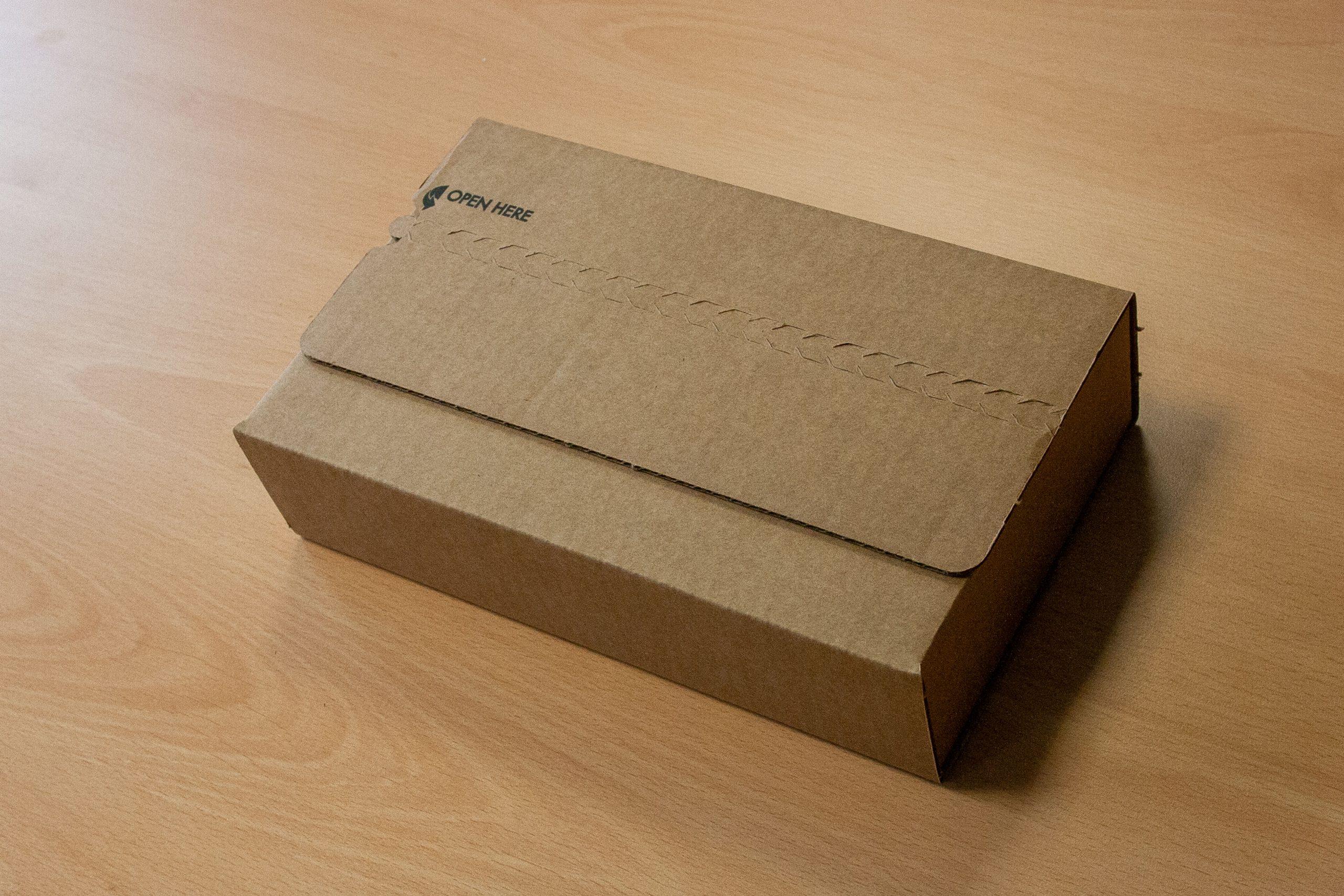 Das Paket: iPhone SE